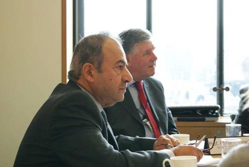 Professor Hazim Awbi (right) and Professor Peter Howarth (left)