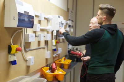 More people needed to skill up in smart meters