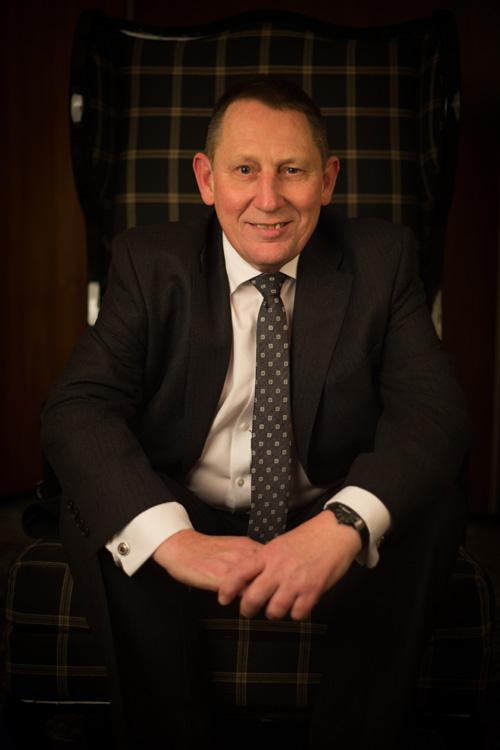 Mark Earnshaw